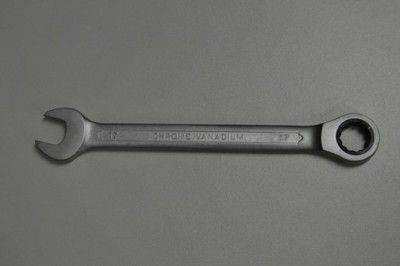 Plochý ráčnový klíč 17mm, ráčna - chrom vanad