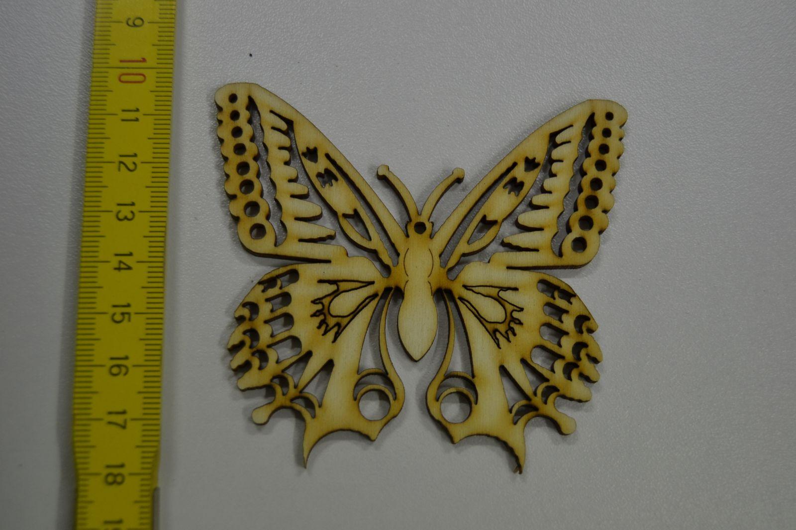 Dřevěná ozdoba - motýl, otakárek L05