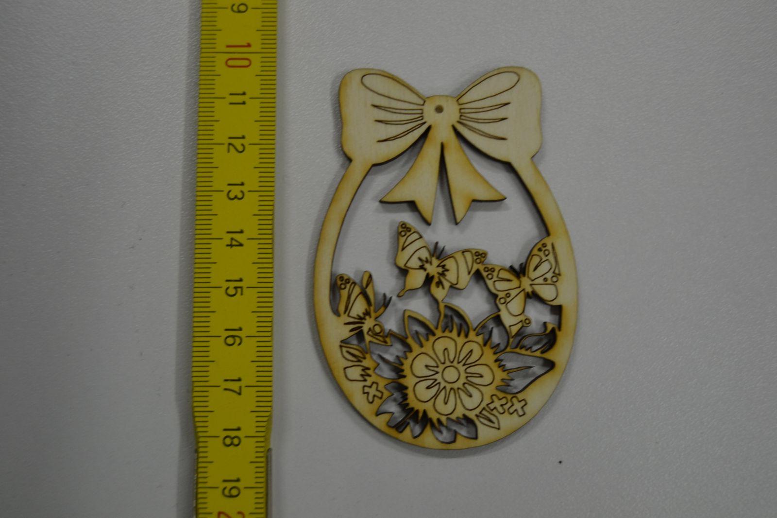 Dřevěná ozdoba - velikonoční vejce s motýly VE62
