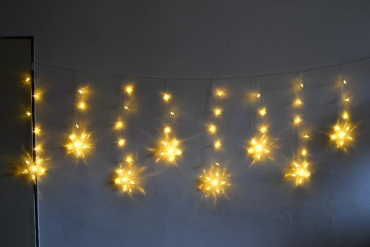 Vánoční osvětlení - závěs hvězdy - teple bílé