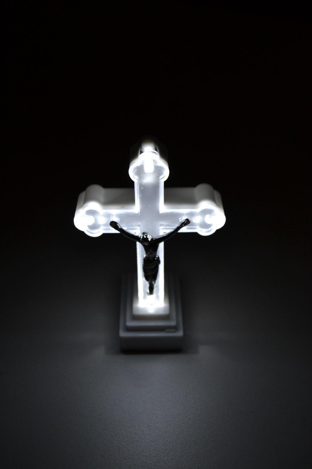 Svítící kříž na baterie, dekorace na hřbitov