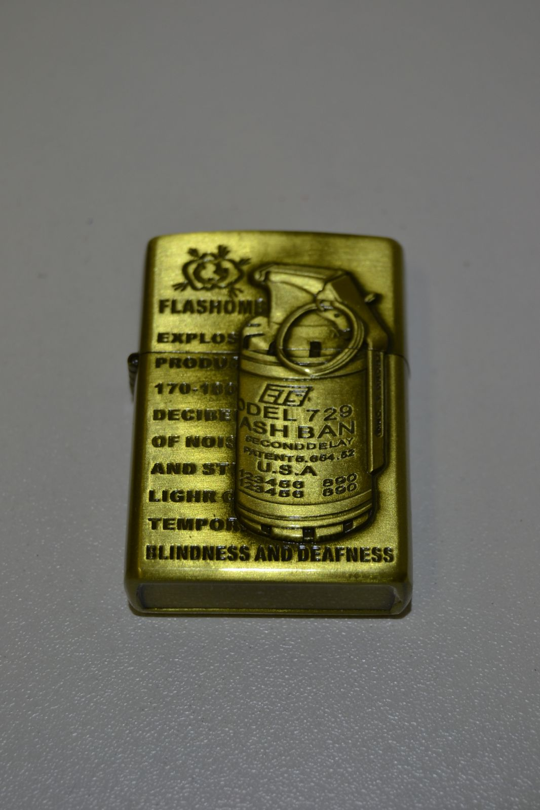 Benzínový zapalovač č. 95 - granát - flash