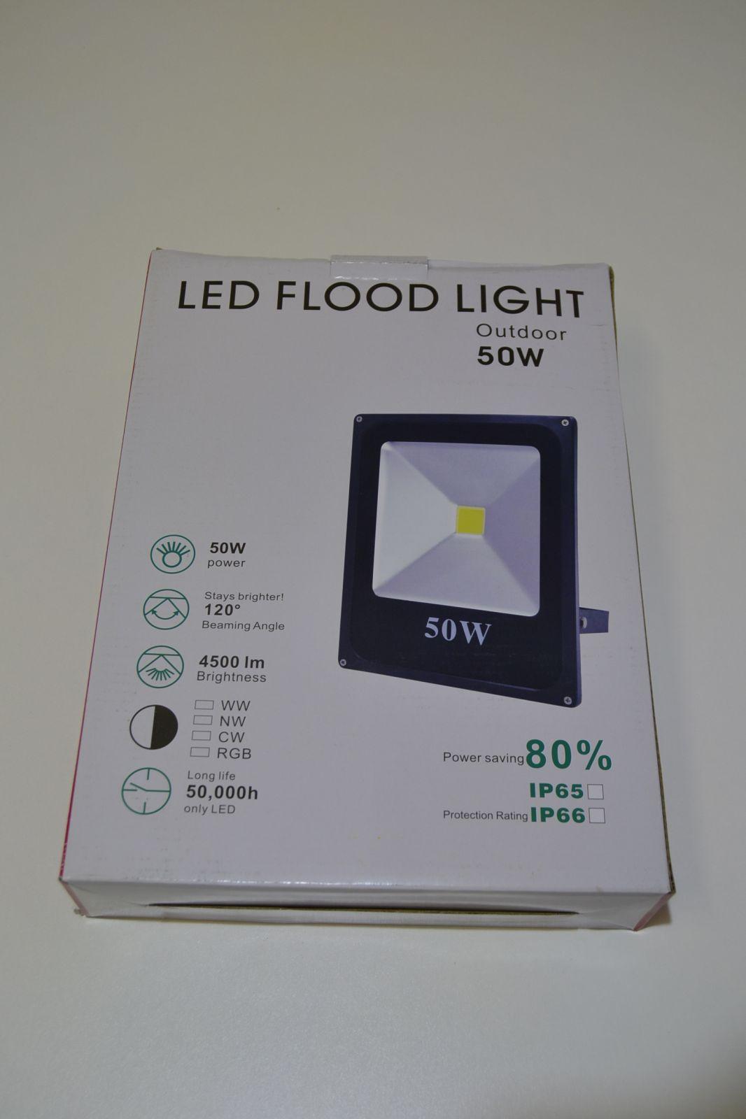 Plochý led reflektor - 50W, halogen