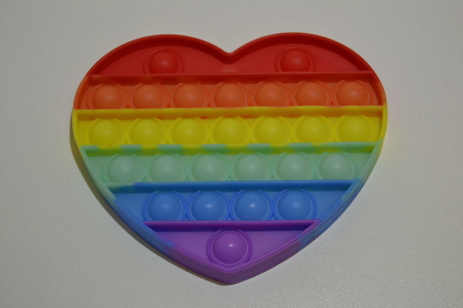 Pop it - antistresová hračka duhové srdce