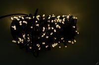 VÁNOČNÍ OSVĚTLENÍ 250 LED - TEPLE BÍLÉ ZD