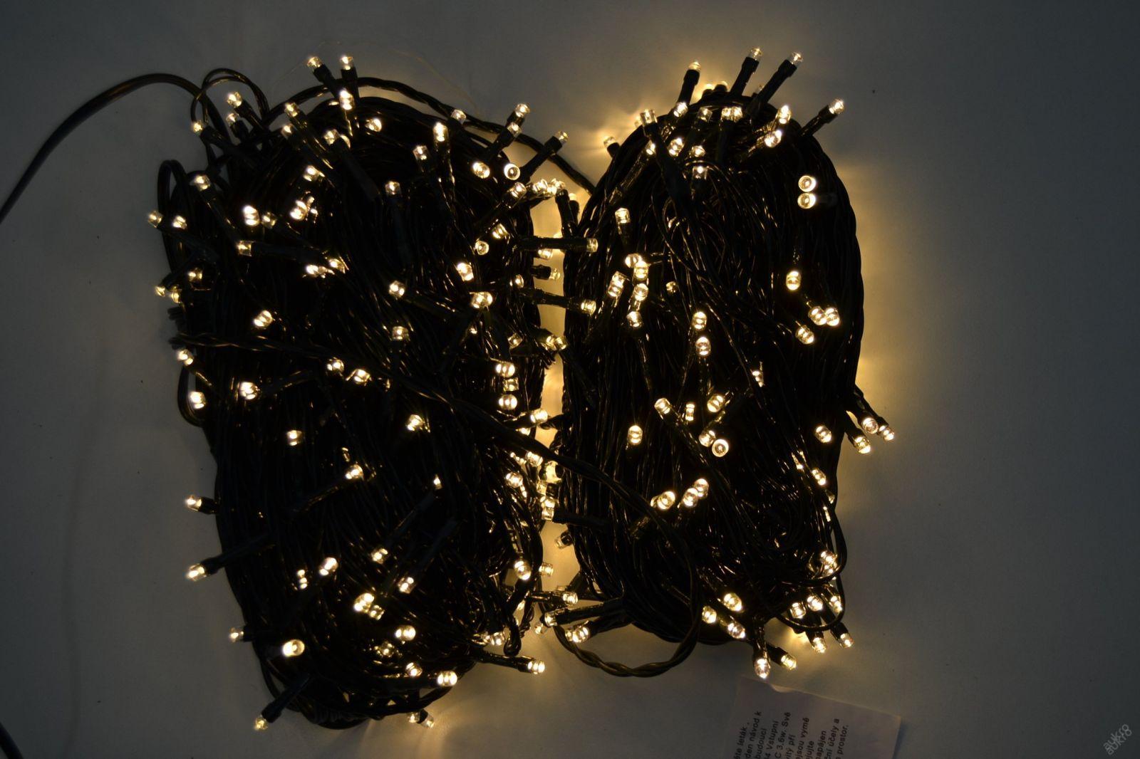 VENKOVNÍ VÁNOČNÍ OSVĚTLENÍ 500 LED - TEPLE BÍLÉ